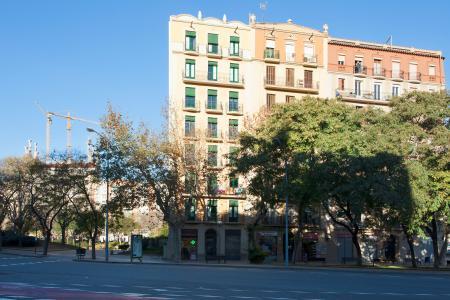 Alquiler temporal piso en Plaza Pablo Neruda con Diagonal.