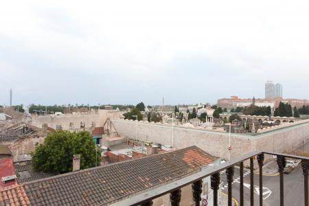 Appartement à louer à Poblenou à proximité d'un parc