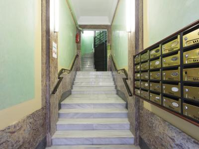 Pis en Lloguer turístic a Barcelona Vallhonrat - Paralel