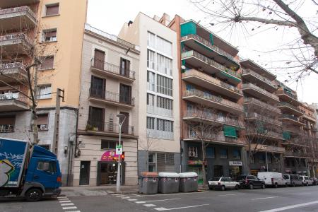 Large 1 bedroom flat to rent in Sant Marti