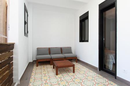 Si affitta per mesi appartamento in via Galileu