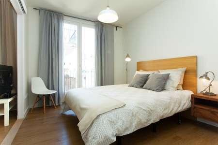 Appartamento con balcone in affitto in via Villarroel