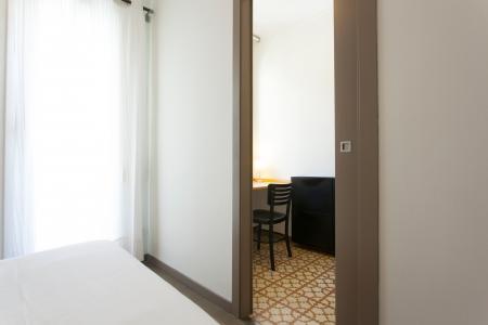 Acogedor piso con dormitorio doble en Poble Sec