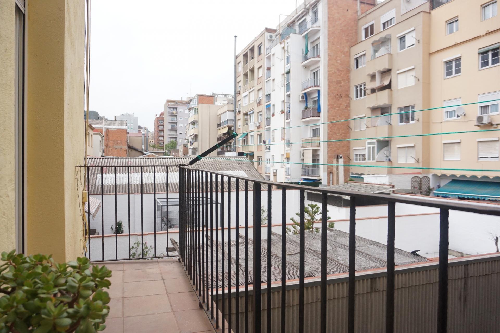 Piso en alquiler barcelona les corts morales gelabert for Piso alquiler barcelona