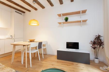 Maravilhoso apartamento com varanda localizado no famoso bairro do Born