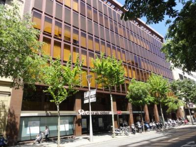 Commercial for sale in Barcelona Consell De Cent - Pau Claris