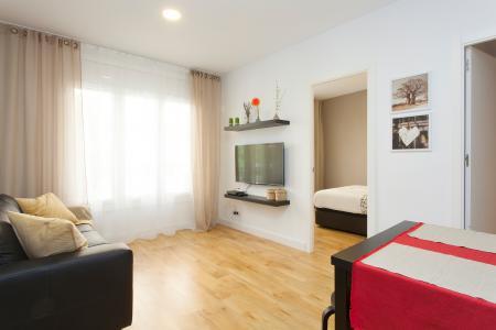 Amplio y moderno piso de alquiler con tres habitaciones en Sants-Montjuïc
