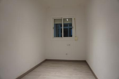 Apartment for Rent in Hospitalet Creu Roja - Cotonar