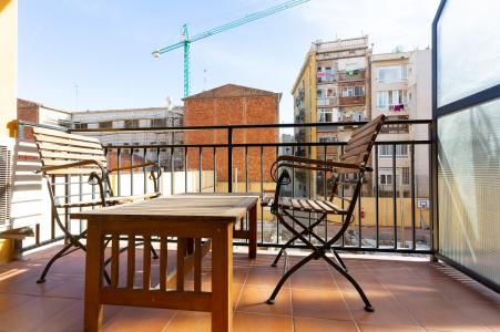 Amplio piso con balcón en la Rambla de Poble Nou