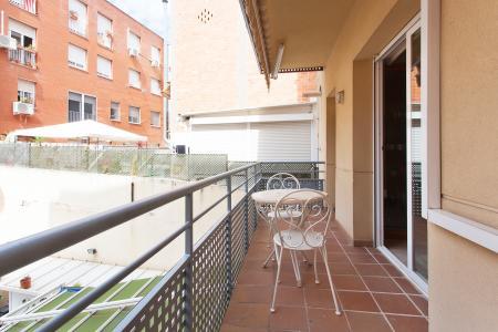 Excelente piso en alquiler con amplio balcón, en la zona de Sants