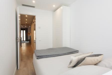 Newly refurbished two bedroom flat to rent in Poble Sec